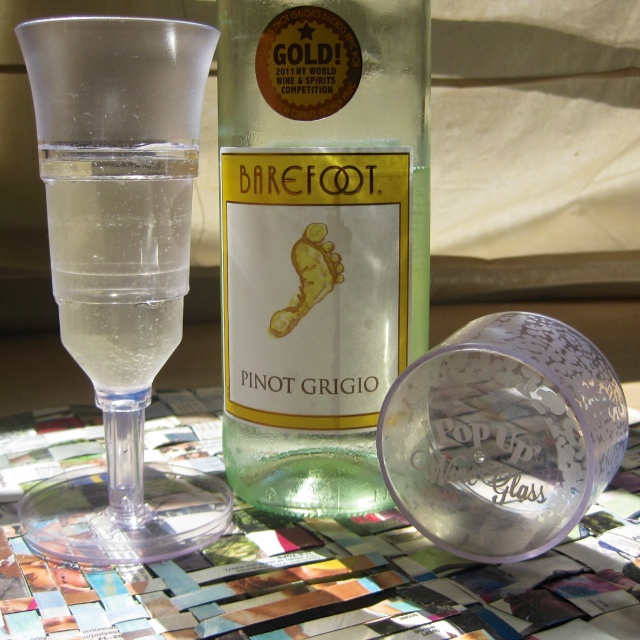 Pop Up Wine Glass and Barefoot Pinot Grigio